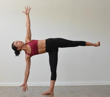 halve maan yoga oefeningen